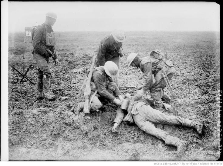 Crête de Vimy [Pas-de-Calais, soldats britanniques sur un champ de bataille, avril 1917]