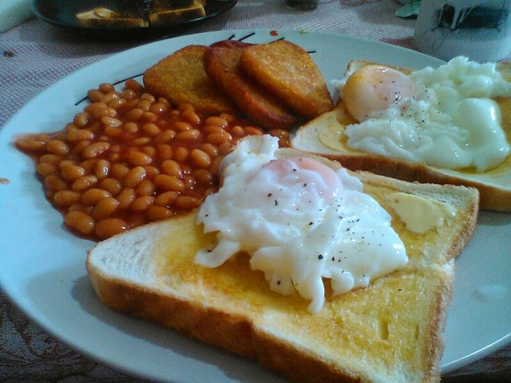 The usual weekend big breakfast. Kiwi style! Fresh New Zealand eggs, watties baked beans & pams tri-browns.