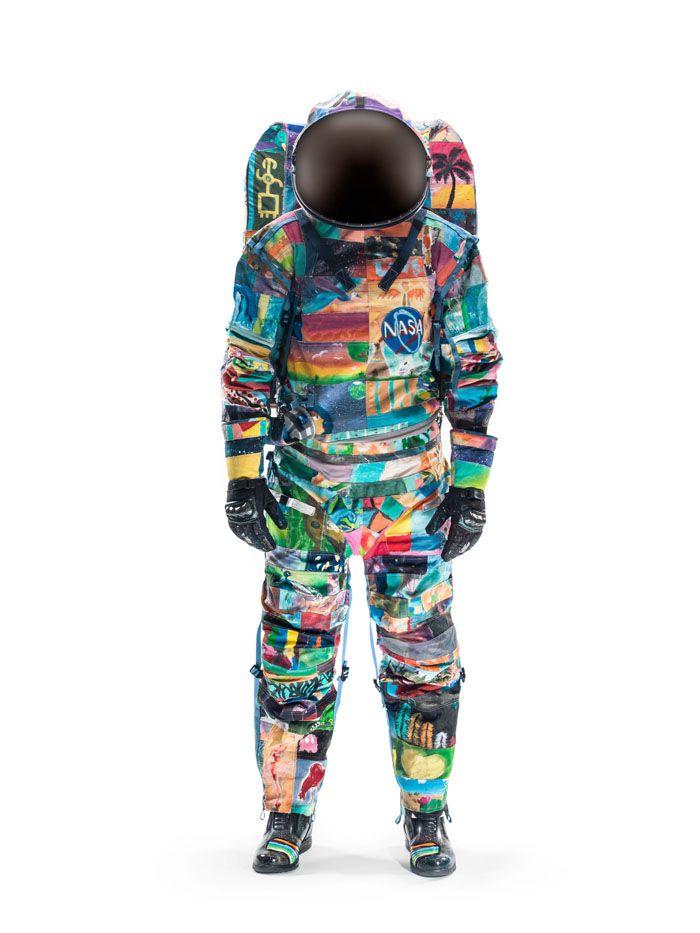 En lo más fffres.co: Un traje espacial de la NASA pintado a mano por enfermos de cáncer #NASA #md_anderson #cáncer #astronautas #astronauta