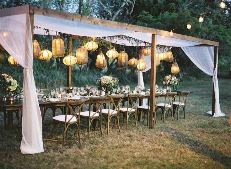 Hochzeitsgrün-Dekor mit hängenden Lichtern #deko…