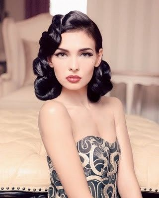 50's glamorous hair style.  Love this.Wedding Hair, Makeup Tools, Vintage Hair, Hairmakeup, Glamorous Hair, Hair Makeup, Hair Style, Retro Hairstyles, Retro Makeup