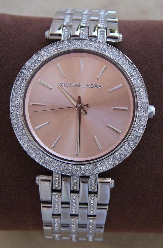 un guide complet des meilleurs montres femmes Michael Kors, avec des top ventes, avis et tests, ont vous a préparé les modèles fascinants de la marque avec une collection coups de cœur.