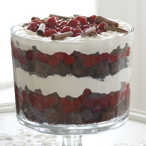 Black Forest Trifle - The Pampered Chef® MAKE BEAUTIFUL AND DELICIOUS DESSERTS IN OUR TRIFLE BOWL. IT COMES WITH A LID.