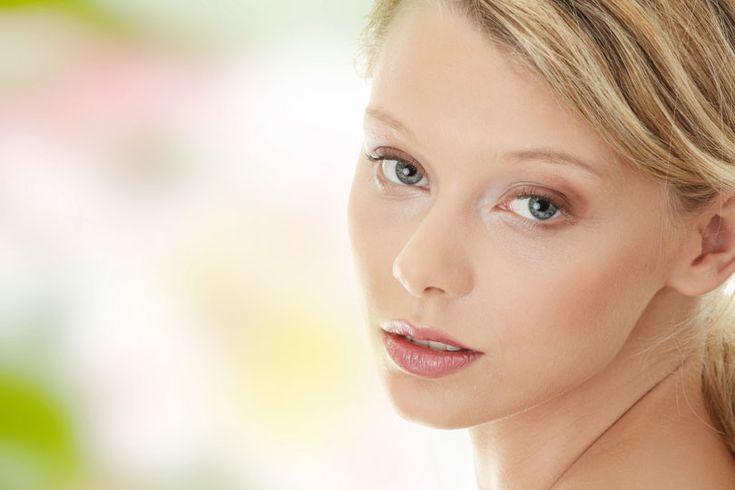 20 Hausmittel und Tipps gegen Augenringe und dunkle Schatten und Ränder unter den Augen. www.ihr-wellness-magazin.de