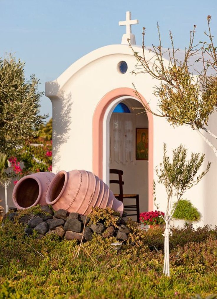 A small chapel. Oia village, Santorini island, Greece - Selected by www.oiamansion.com