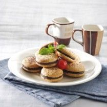 SANDWICH BISKUIT http://www.sajiansedap.com/mobile/detail/13961/sandwich-biskuit