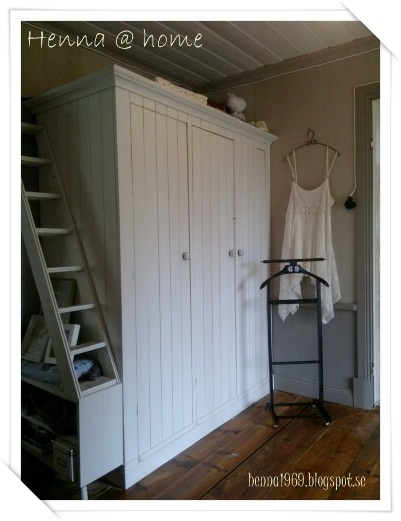 Country style wardrobe with stairs for the cats =^.^=