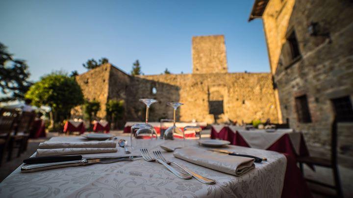 Oggi ritorniamo al Castello di Petroia fra I cieli più belli d'Italia GOLD per il primo appuntamento delle #GrigliateAstronomiche! Appuntamenti ogni venerdì di Luglio e il 10 Agosto per la Notte delle Stelle! - http://ift.tt/1HQJd81