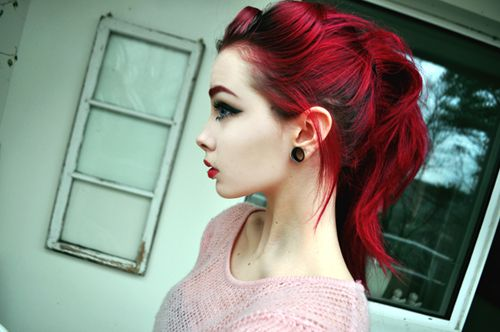 This girl is so beautiful ... not many could pull off this color: Hair Ideas, Colors Red, Alternative Girls, Red Eyebrows, Hair Colors, Hair Style, Redhair, Bright Red Hair, Colors Hair