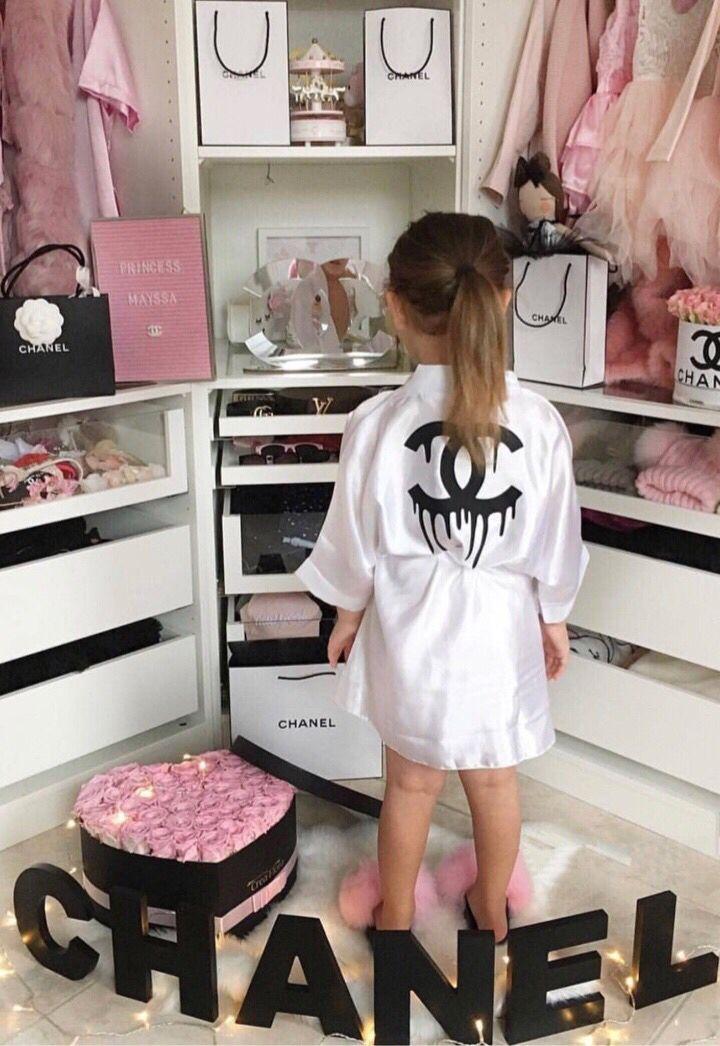 b42740578dd17 #fashion #love #nickiminaj #miami #cardib #wigs #hair #makeup #aaliyahjay  #fur #fashionnova #atlantahairstylist #furslippers #youtube #vacation  #bronx ...