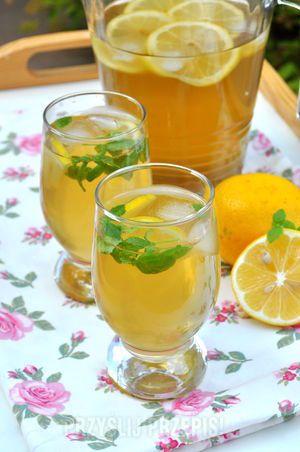 Mrożona herbata zielona z cytryną