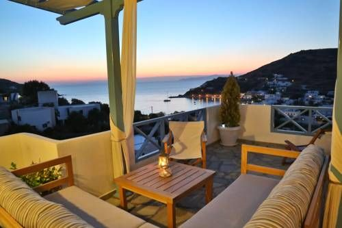 """Kini Bay K�nion Kini Bay is a traditional Cycladic-style property located in Kini Village, approximately 8 km from Ermoupoli Town. Its verandas offer views of the Aegean Sea and the sunset. The accommodation features a 28"""" LED TV."""