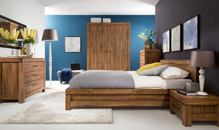 Complete slaapkamer inboedel Rustico bestaande uit een tweepersoonsbed 160x200 cm, twee nachtkastjes en een kledingkast