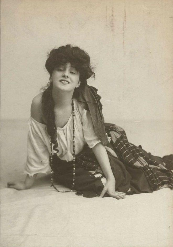 Portrait of Evelyn Nesbit, 1900s