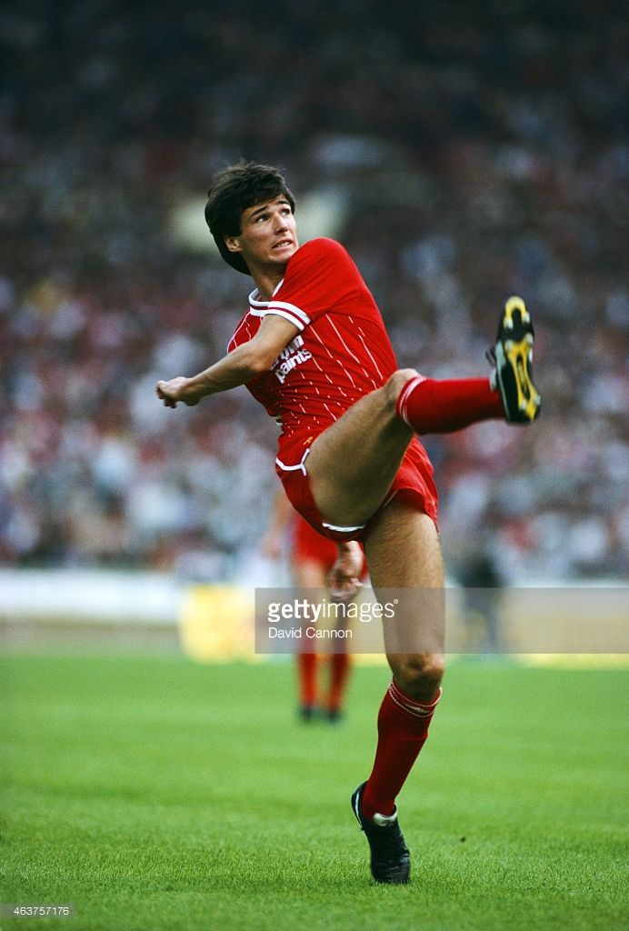 Liverpool defender Alan Hansen in action during a match against Wolverhampton Wanderers on August 27, 1983 in Wolverhampton, England.