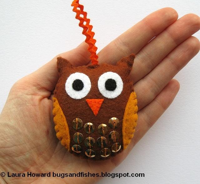 Felt owl ornament tutorial with free printable pattern Christmas