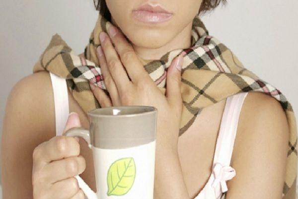 С наступлением осени многие простужаются и ощущают боли в горле. Лечить горло нужно при первых симптомах..Для уменьшения боли в горле и снятия воспаления можно воспользоваться рецептом народной медицины, которые избавят от этого недуга в кратчайшие ...
