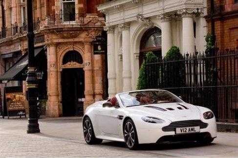 CARROS DE SONHO: Aston Martin V12 Vantage Roadster