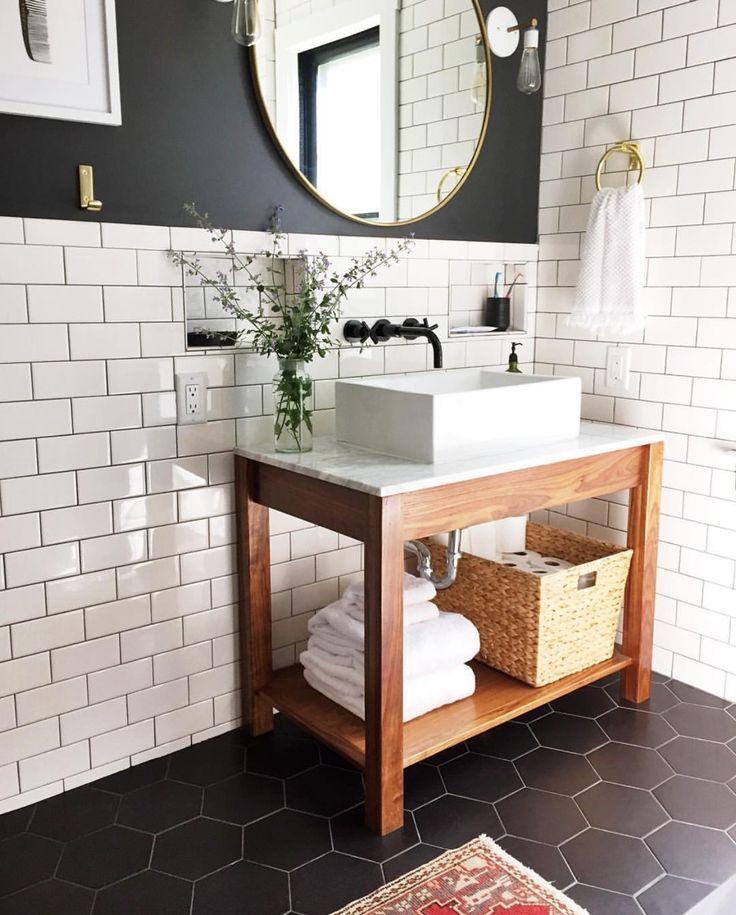 Modernes Badezimmer der Mitte des Jahrhunderts ges…