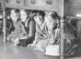 Air raid drill (1940)1940 S, 40S Air, Schools, 1940S, Drill 1940, Children, Kids, Wars, History'S Roy