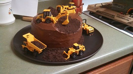 the 3rd Birthday will almost certainly have a tractor theme after seeing this cake!!