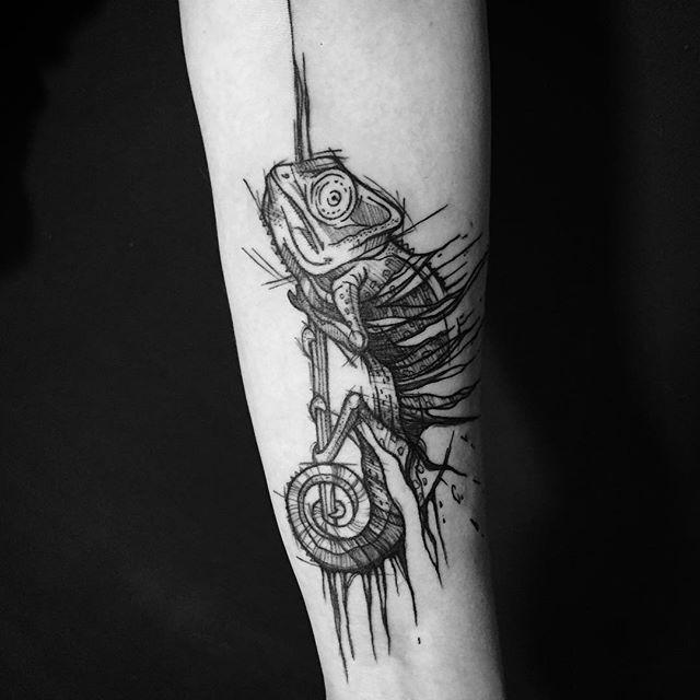 Chameleon for Aga #chameleon #chameleontattoo #kameleon #tattoo #tattoos #sketch #sketchstyletattoo #sketchstyle #blackwork #blackworkerssubmission #blackworkers #inkedgirl #ink #inked #inkedup #polishtattoo #polishtattooartist #warsaw #poland #tattooart #tattoooftheday