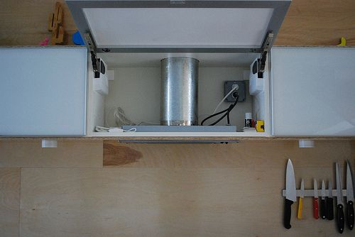 genius! DIY hidden range hood for under $150!