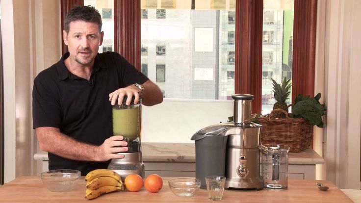 How to Make a Healthy Mean Green Smoothie with Joe Cross | Williams-Sonoma