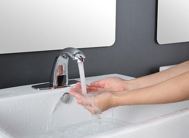 Bezdotyková vodovodná batéria so senzorom | Interiérový dizajn a architektúra E-SHOP, Dekorácie, vypínače, tapety, batérie, kovanie, svietidlá a dekorácie
