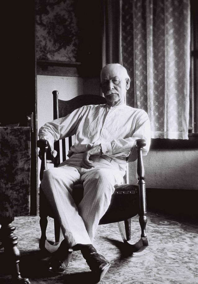 Josephine Earp ▪ Gunslinger Wyatt Earp in His Dotage, Age 75, Los Angeles 1923