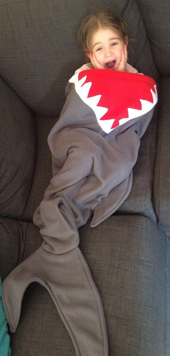 Shark tail blanket, shark blanket, shark bed, sleeping bag, shark fin, fish tail, gift, birthday, boys, girls, kids blanket, fleece