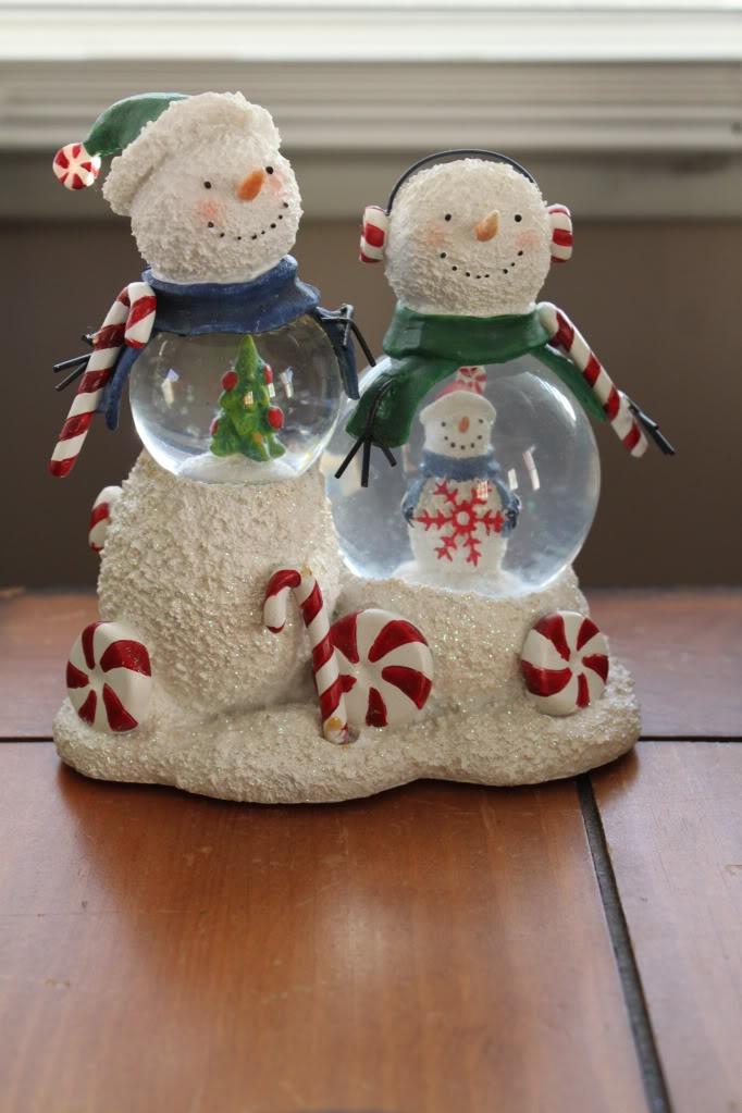 Adorable Snow Globe Men