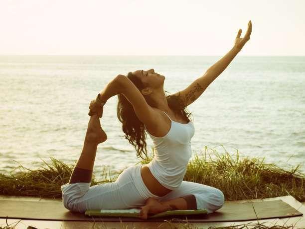 6 στάσεις της Γιόγκα για να ελευθερώσετε το γοφό, το ισχίο και τη μέση