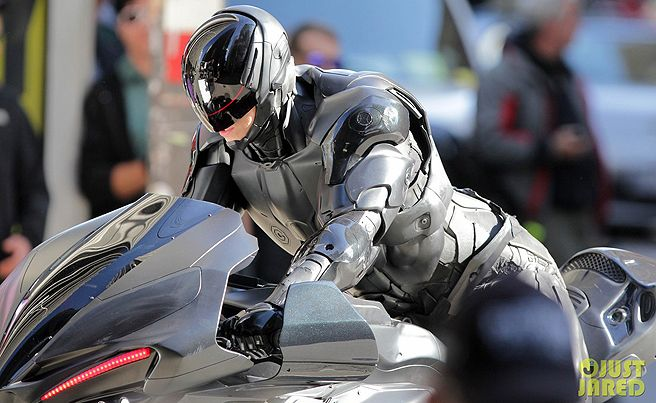Highly detailed look at Joel Kinneman's Robocop in the remake from director Jose Padilha - Movie News | JoBlo.com