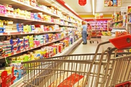 5 Reasons to Give Up Processed Foods. The supermarket aisle... yikes.