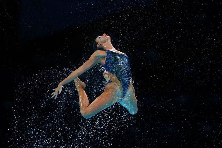 Un'atleta della squadra di nuoto sincronizzato della Grecia, 21 luglio 2013 (Clive Rose/Getty Images)
