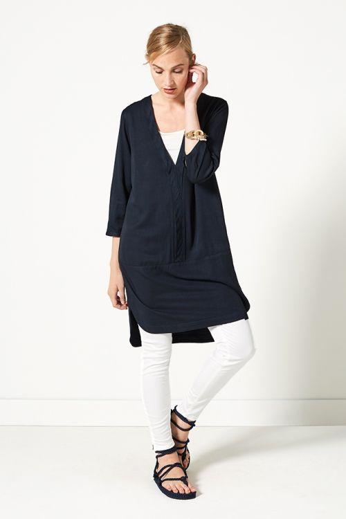 Indian Summer | Fashion | Tunic | Blue | V-neck | Pants | Ecru | Lookbook