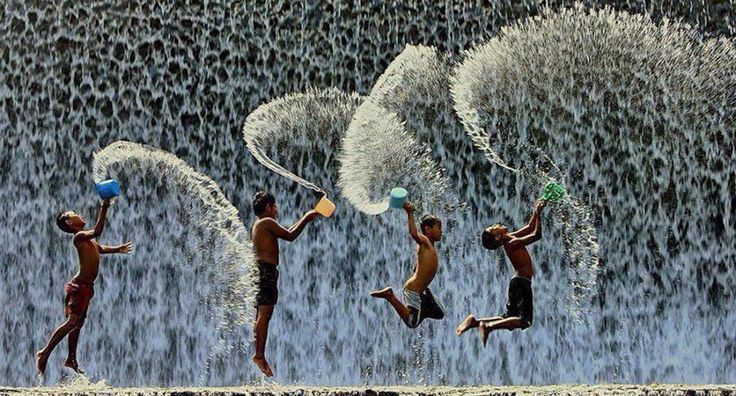 30unbelievably happy kids from all over the world who're just enjoying their day