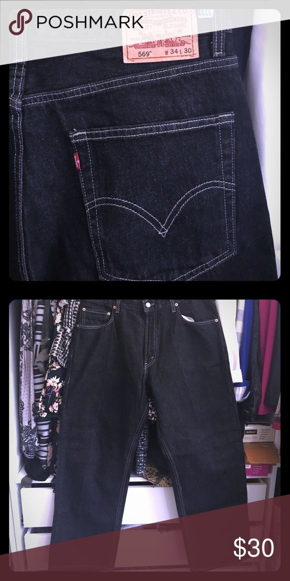 Levi's 569. Size 34x30. Like new! Levi's 569. Size 34x30. Like new!!! Black in color. Levi's Jeans Straight