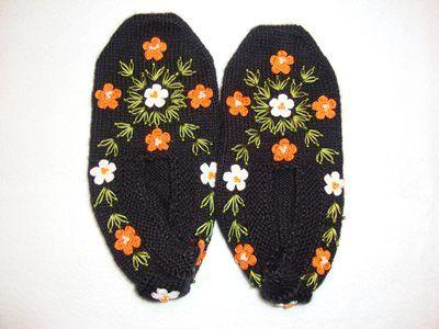 çiçek işlemeli nakışlı patik örnekleri