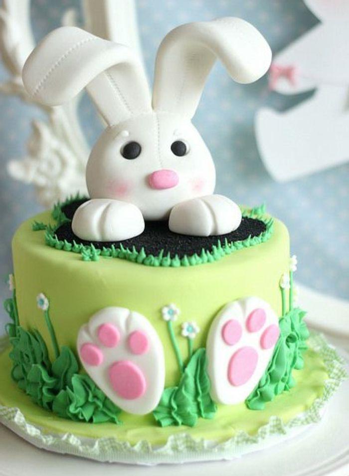 idée de gateau de paques avec lapin en sucre, comment faire un dessert,  repas