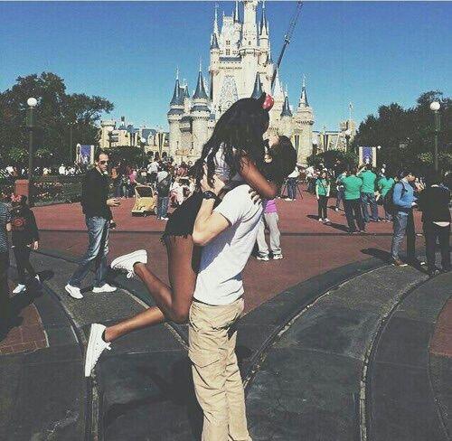 Imagem de love, couple, and disney