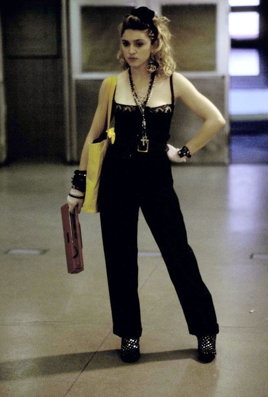 vintagesalt:  Desperately Seeking Susan (dir. Susan Seidelman, 1985)                                                                                                                                                     More