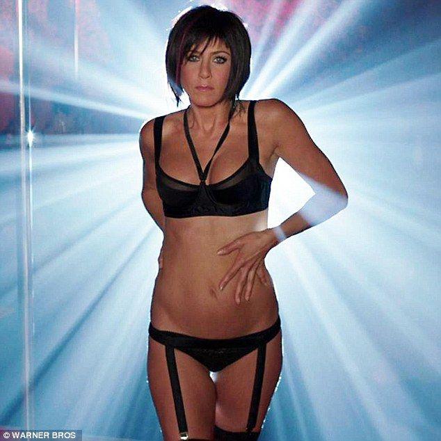 Jennifer aniston stripping porn