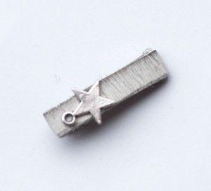 Wit vachtleren klipje van 3 cm - Hip en Haarhttps://www.hipenhaar.nl/haaraccessoire/wit-vachtleren-klipje-van-3-cm/ #haarklip #haaraccesoires #meiden #hip #vachtleer