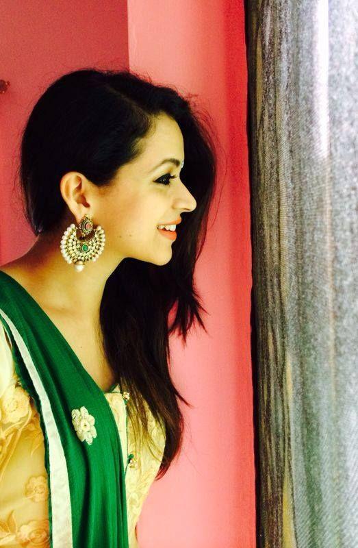 actress bhavana stills-photos-images-pictures-selfie (34)