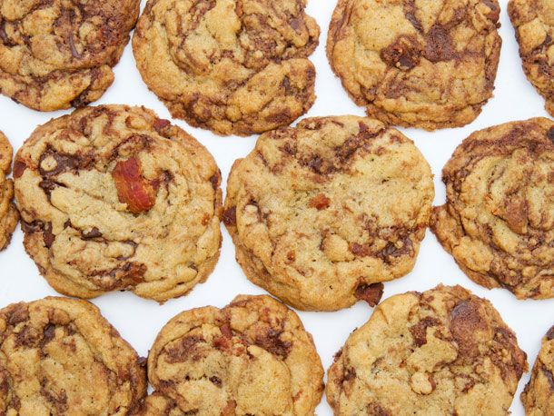 Dad's going to love these bacon-chocolate chip cookies: Chocolate Chips, Chips Cookiesyum, Sweet, Chocolates Chips Cookies, Recipes, Bacon Chocolates, Bacon Cookies, Chocolate Chip Cookies, Serious Eating