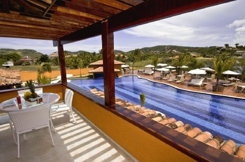 Facilities at the Ferradura resort include Kids club, pool, beauty centre, modern interior and many other. http://www.hotelurbano.com.br/