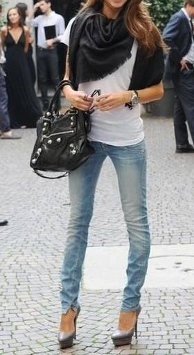 fashforfashion -♛ STYLE INSPIRATIONS♛ jeans and a tshirt with heels and scarf. flawless