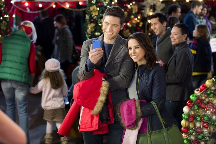 Christmas Keepsake Week - Family For Christmas (Saturday, July 11th) starring Lacey Chabert & Tyron Leitso | Hallmark Channel